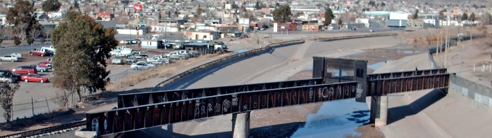 photo of US border at El Paso