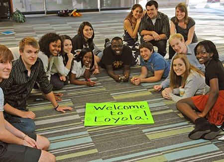 Loyola-WelcometoLoyola-students